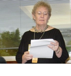 Giving a reading at Worldcon Glasgow 2005